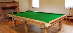 9ft Sovereign Snooker table ( Solid Oak)